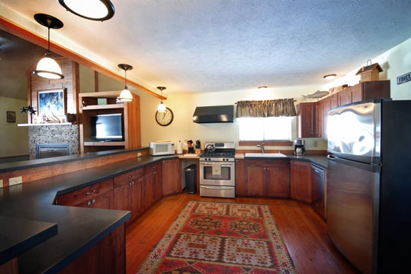 Large kitchen in missoula cabin rental for family dinners