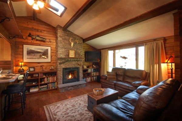 2 Bedroom Log Cabin on Rock Creek in Montana