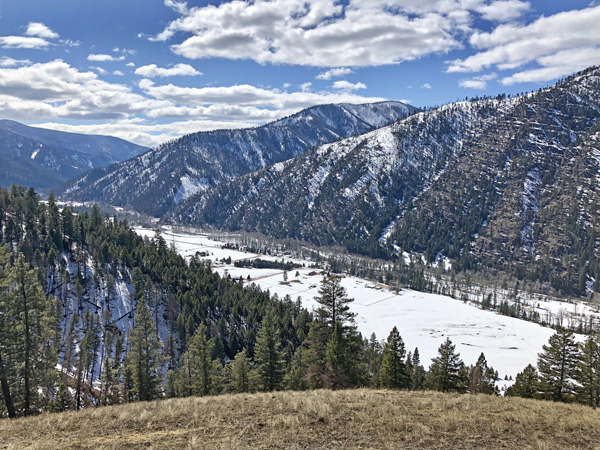 Winter in Montana and monthly vacation home rental near Missoula